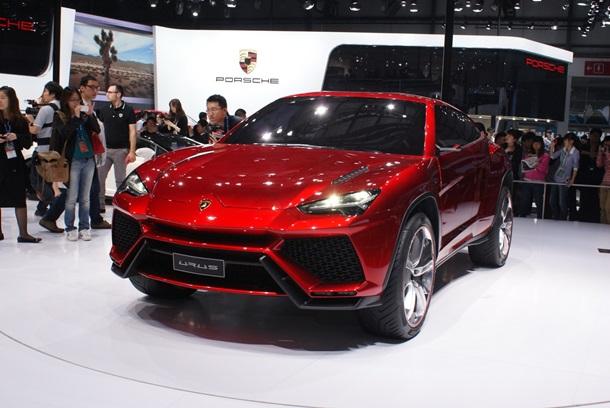 Lamborghini назвала дату выхода своего первого кроссовера